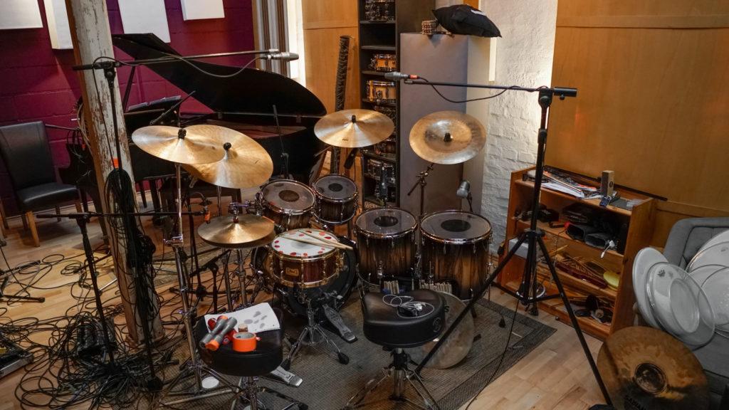 Schlagzeug im Tonstudio